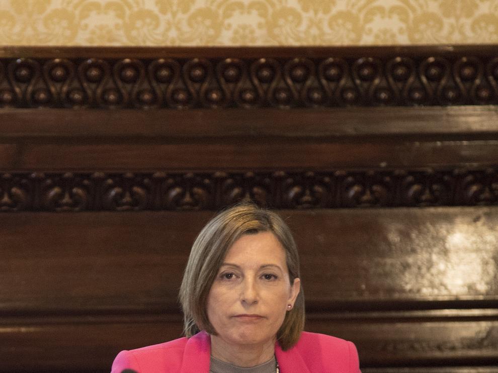 La presidenta del Parlament, Carme Forcadell, presidiendo la Mesa del Parlament, en una foto de archivo.
