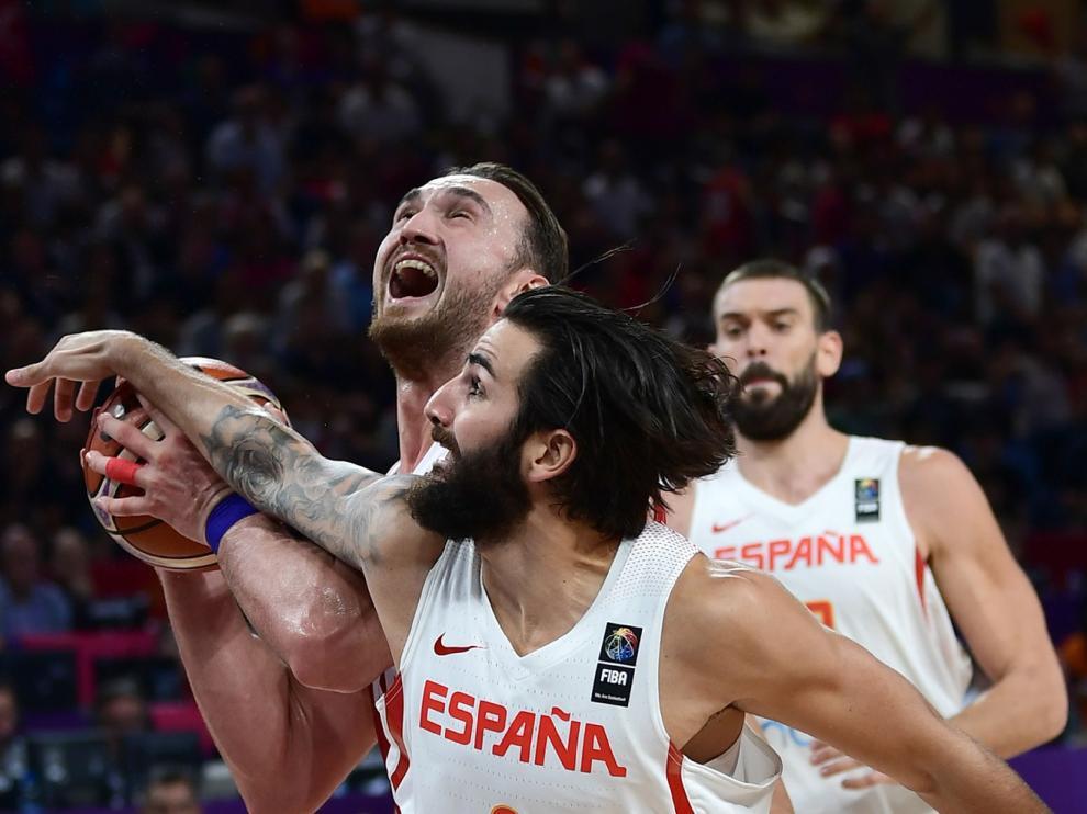 Un momento del choque de este domingo entre España y Turquía.