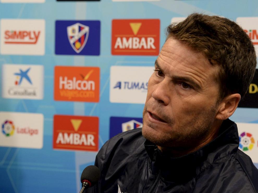 El entrenador del Huesca, en la rueda de prensa de este viernes.