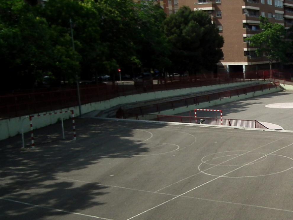 Patio del colegio María Moliner de Zaragoza, que está promoviendo deportes y actividades alternativas.