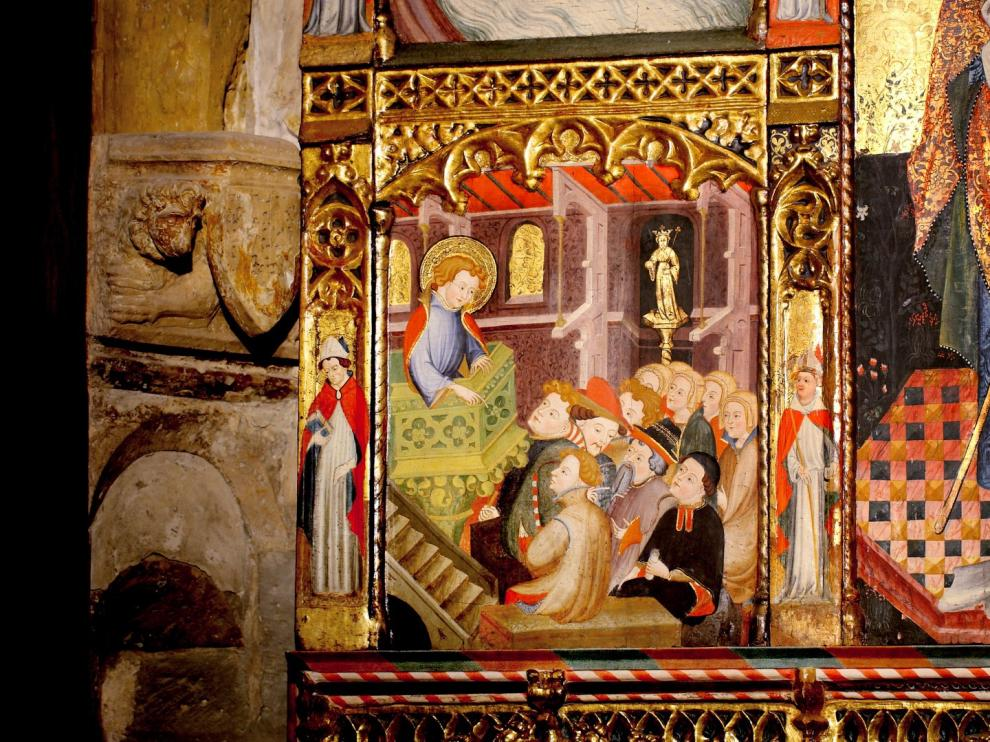 Cuellos altos. Es una de las curiosidades que se relatan ante el retablo de Juan de Leví de la seo turiasonense. En concreto, en la escena de la vida de San Prudencio.