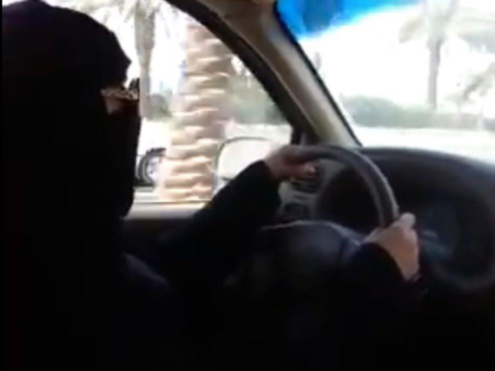 Las mujeres podrán conducir por fin en Arabia Saudí.