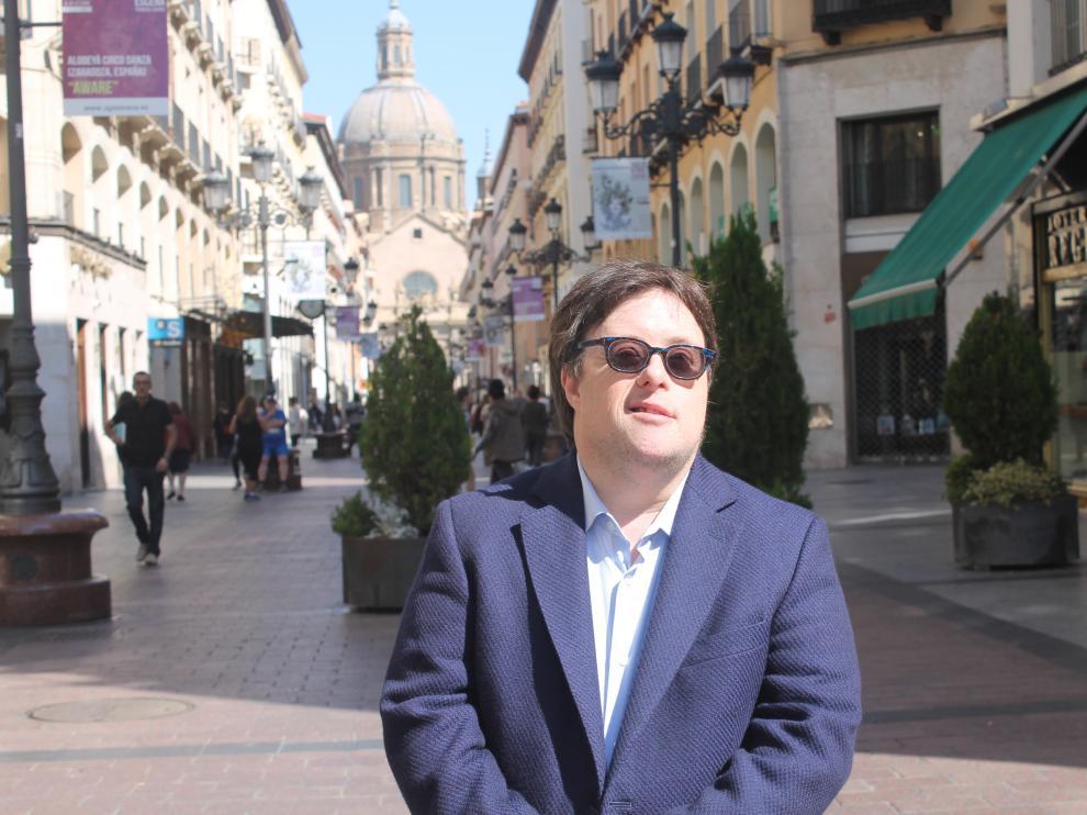 """Pablo Pineda visitó este miércoles la capital aragonesa para hablar de la """"diversidad sin etiquetas""""."""