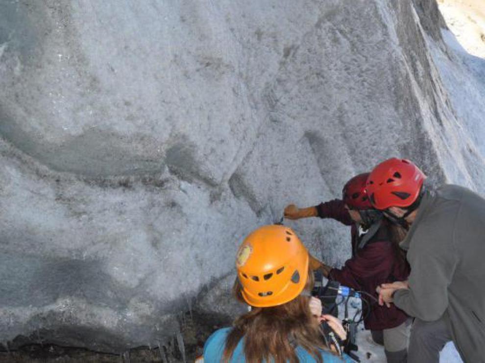Una expedición científica extraerá una columna de hielo del glaciar de Monte Perdido