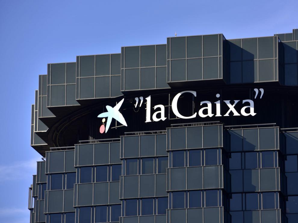 Imagen de archivo de la sede central de Caixabank, en Barcelona.
