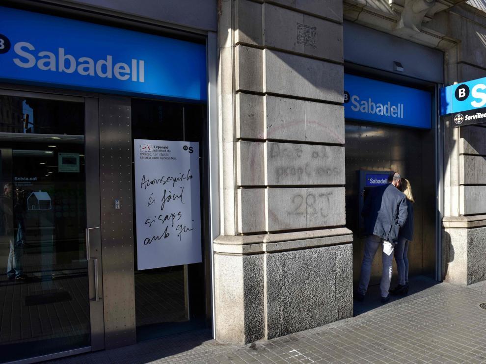 El Banco Sabadell ha aprobado el traslado de su sede social a Alicante.