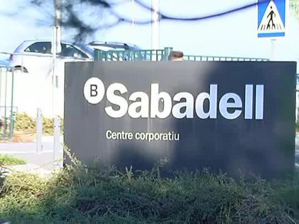 El Banco Sabadell fue uno de los primeros en anunciar su cambio de sede.