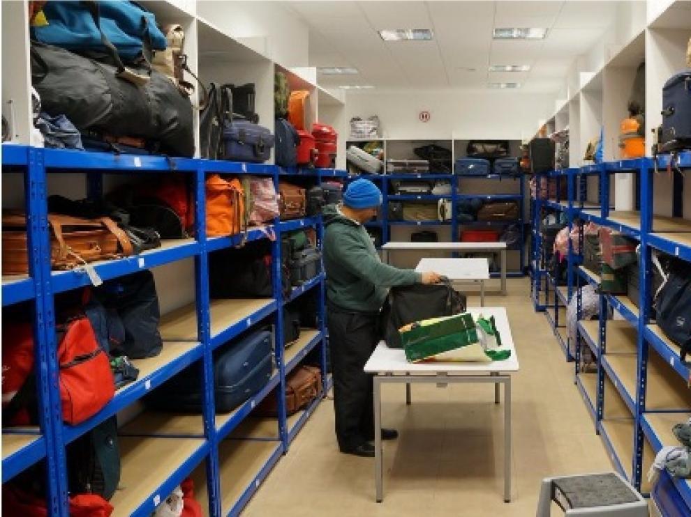 El centro de día San Blas recoge mantas y sacos de dormir para el invierno