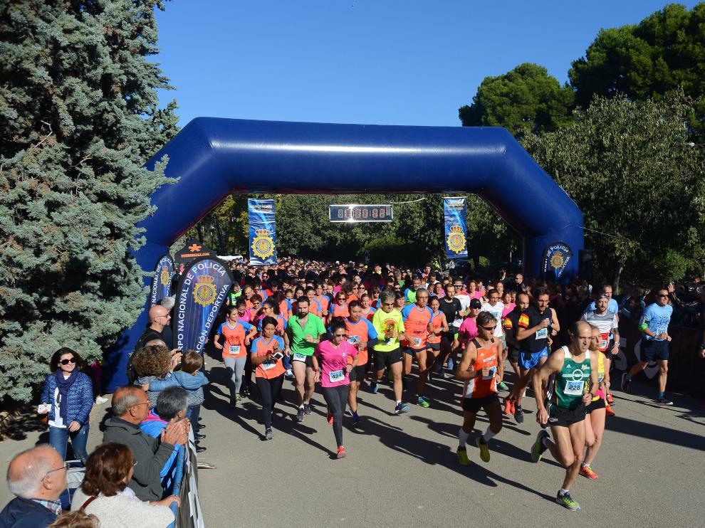 Salida de la II Carrera de la Mujer Contra el Maltrato, este sábado en el parque Grande de Zaragoza.