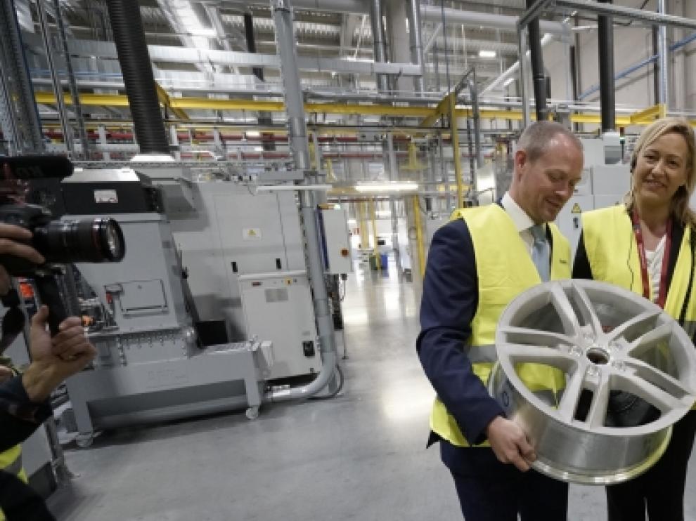 En la nueva instalación, que ocupa más de 100.000 metros cuadrados, se han invertido cien millones de euros.