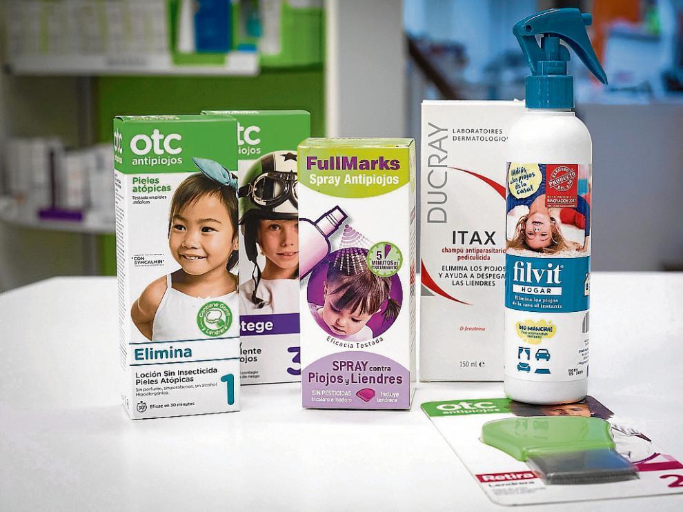 Hay variedad de productos en el mercado para erradicar los piojos o prevenir la infestación.