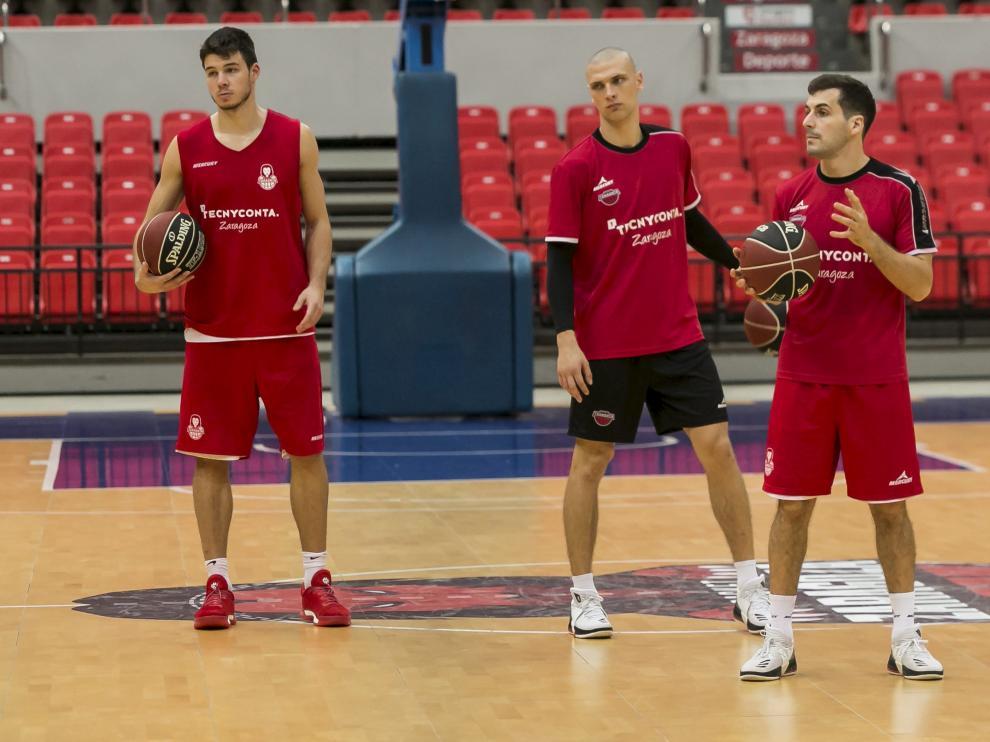 Barreiro, Michalak y Bellas, durante un entrenamiento del Tecnyconta.