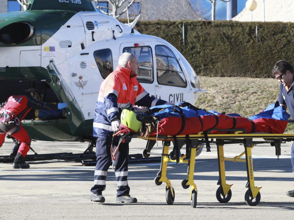 Traslado al hospital de un esquiador herido, en una imagen de archivo