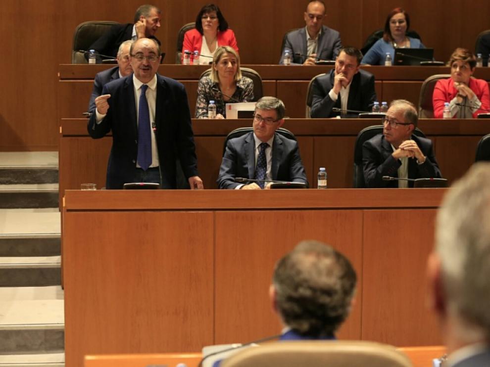La DGA analizará con sindicatos y empresarios las consecuencias de la crisis de Cataluña