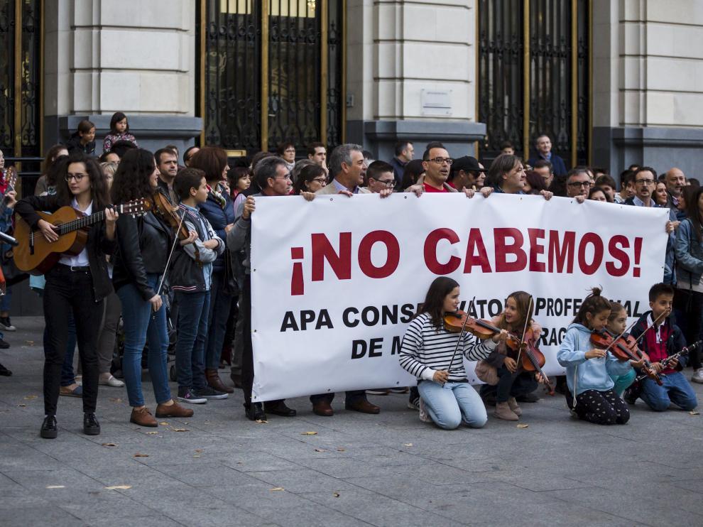 Imagen de archivo de una protesta para reclamar un nuevo conservatorio de música en Zaragoza.