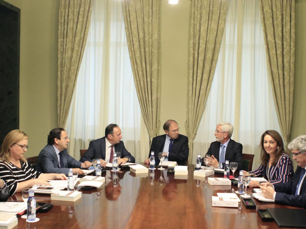 Reunión de la mesa del Senado este sábado.