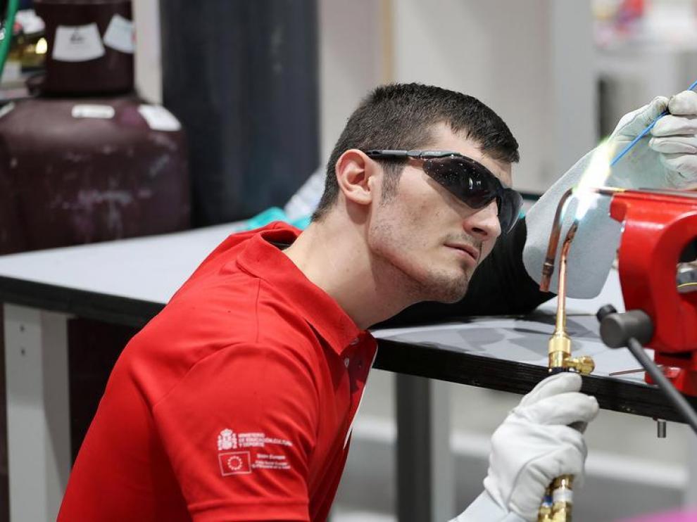 Emanuel Budeanu, en la cuadragésimo cuarta competición internacional de los 'World Skills' en Abu Dhabi.