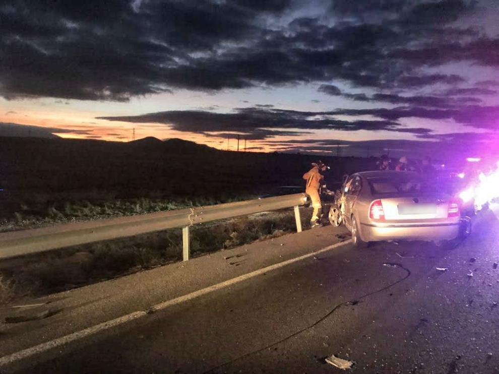 El accidente se registró en la N-232 sobre las 19.10 de este domingo.