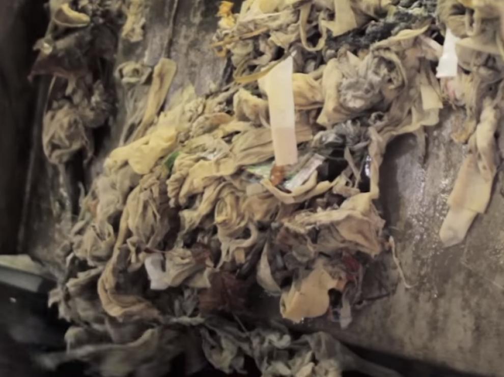 Imagen de un vídeo promocional de Ecociudad Zaragoza alertando sobre el peligro de las toallitas.