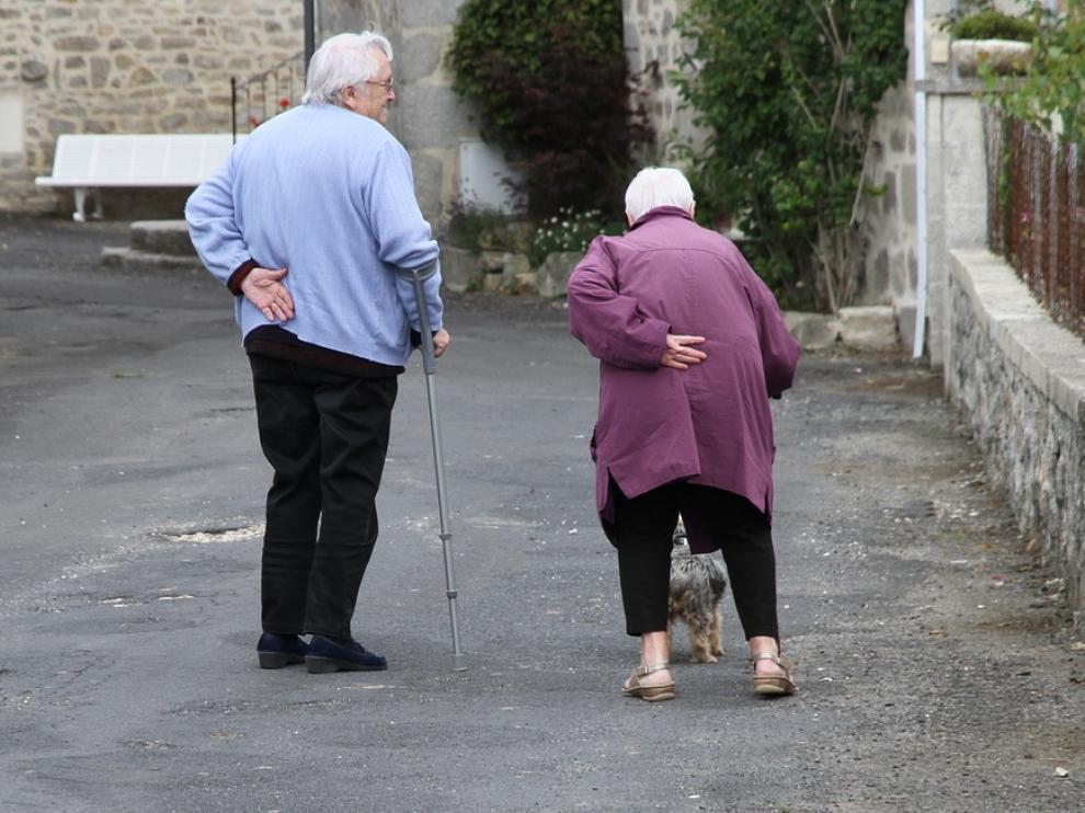 Solo el 60% de los mayores que se fracturan la cadera logran caminar con andador un mes después