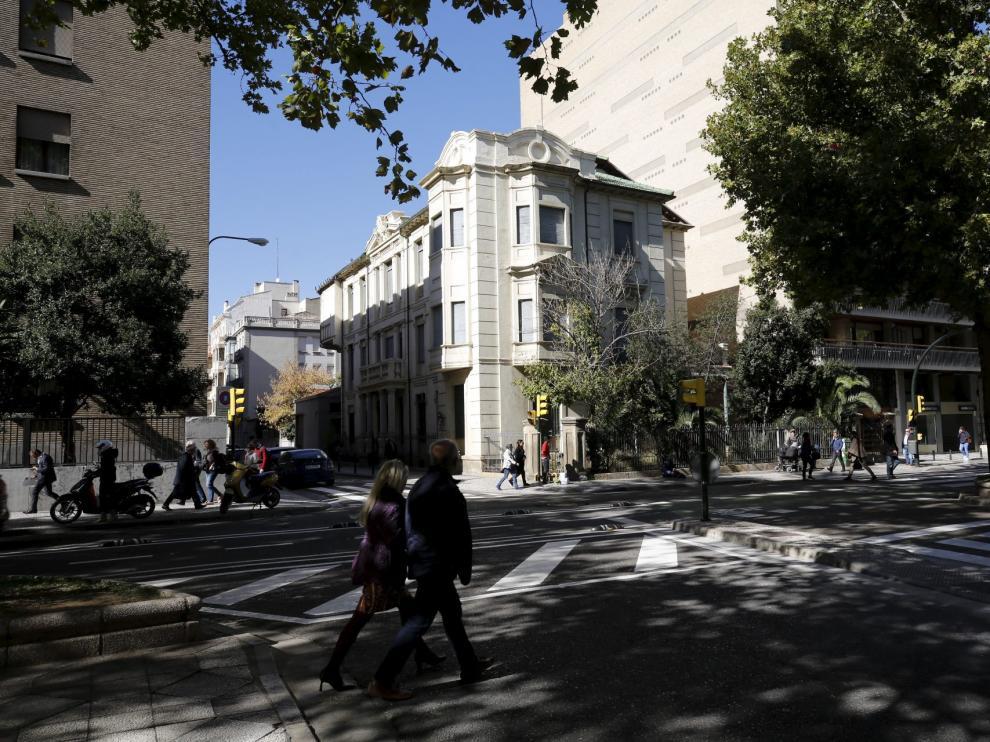 El nuevo edificio se ubicaría detrás de la antigua clínica del doctor Lozano, inmueble catalogado.