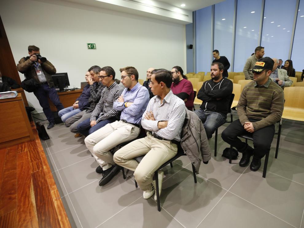 Los acusados, en la sala de vistas de la Audiencia Provincial de Zaragoza.