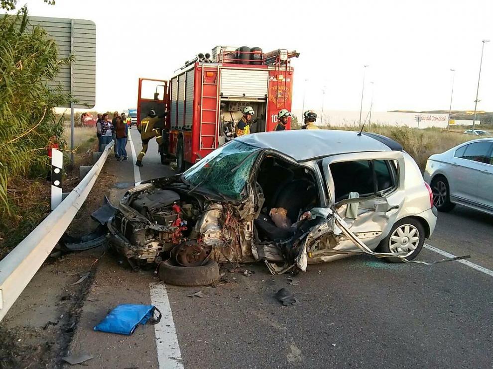 Estado en el que ha quedado el vehículo de la fallecida tras el siniestro.