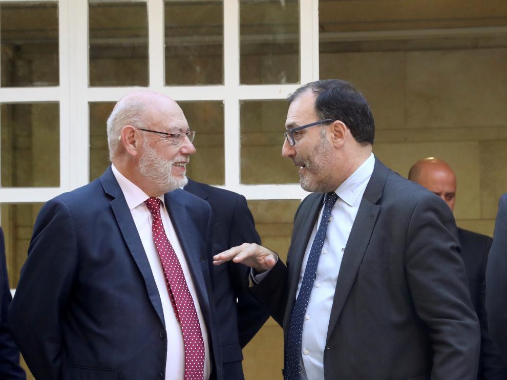 El fiscal general del Estado, José Manuel Maza, y el magistrado de la Audiencia Nacional, Eloy Velasco,
