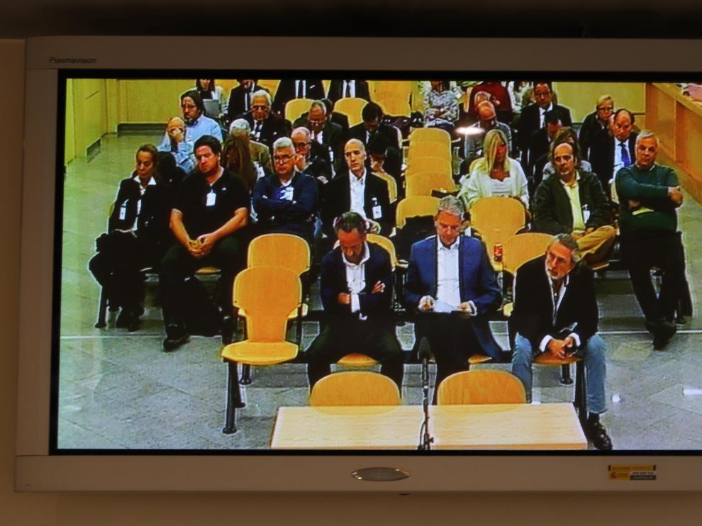 A la sesión de este lunes, la número 114, han asistido todos los acusados, después de que el tribunal les obligase a escuchar los alegatos finales de todas las partes.