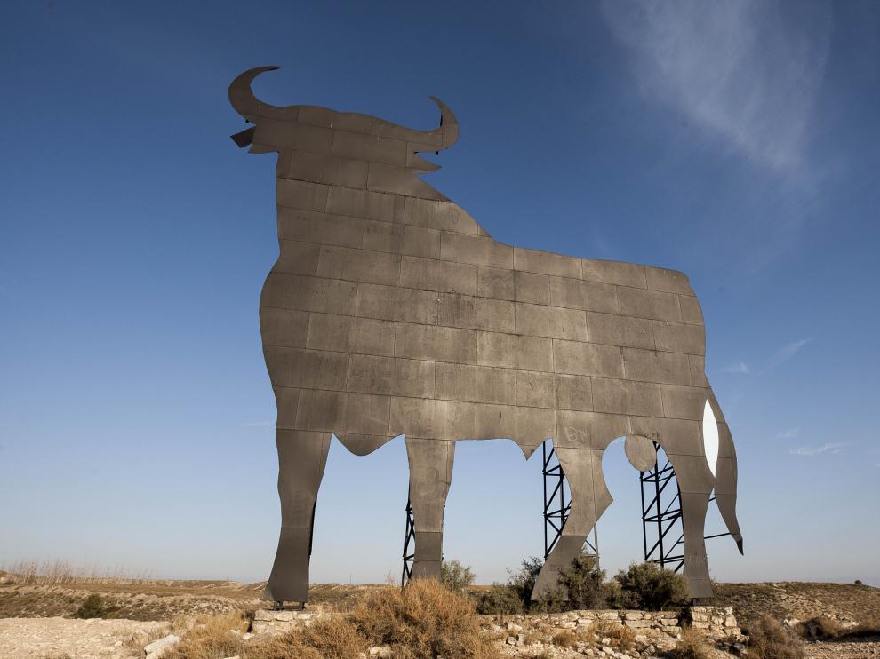 El más fílmico de los toros de Osborne, utilizado en el rodaje de 'Jamón, jamón' de Bigas Luna.