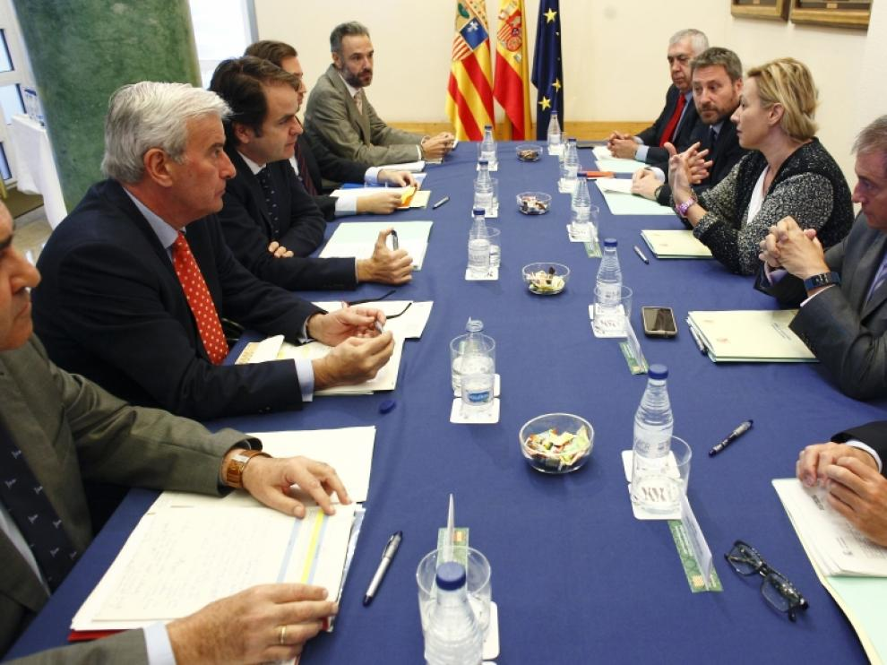 La Comisión de seguimiento del Fondo de Inversiones de Teruel (FITE) se ha reunido en el edificio Pignatelli para abordar, entre otros puntos, la aprobación de los proyectos correspondientes al Fondo 2017.