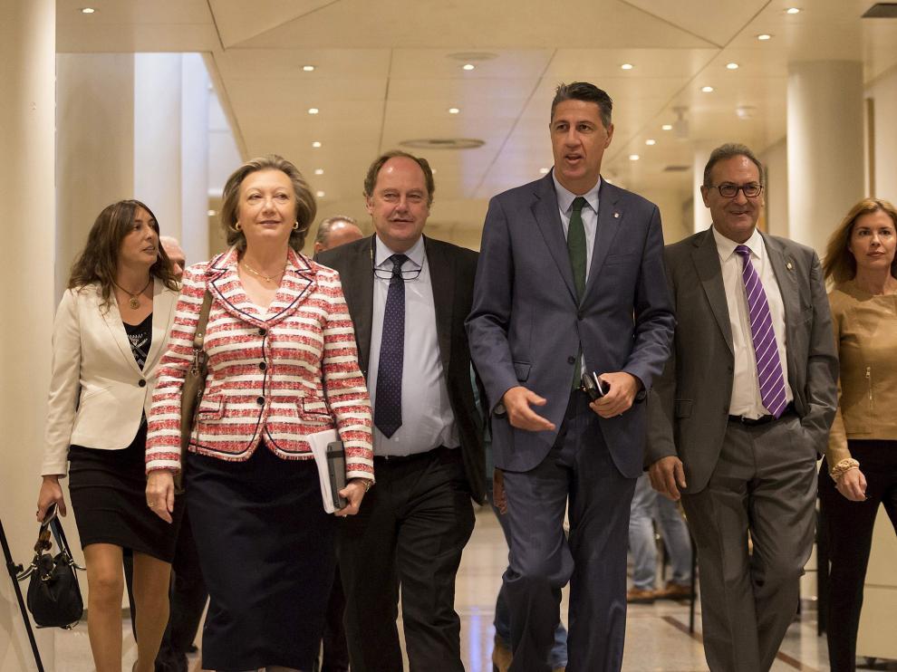 La senadora del PP, Luisa Fernanda Rudi, ayer al entrar a la comisión.