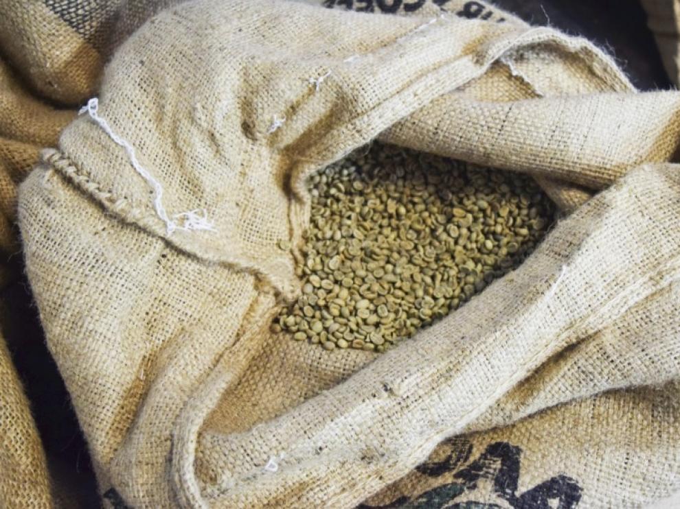 El café verde se obtiene de un extracto de los granos, antes de ser tostados.
