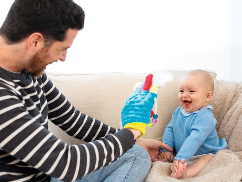"""""""Sabemos que un niño es feliz cuando juega, siente curiosidad y se interesa por las cosas y las personas, en este sentido felicidad y juego van de la mano""""."""