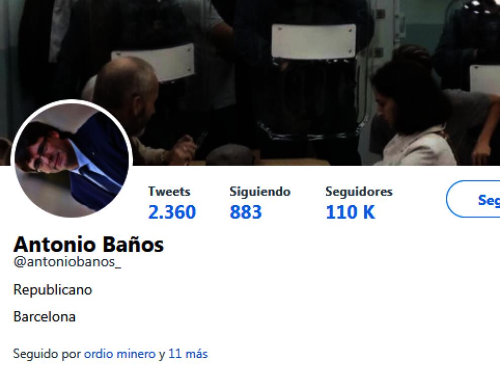 La imagen de perfil del exdiputado de la CUP Antonio Baños muestra a Carles Puigdemont en diagonal.