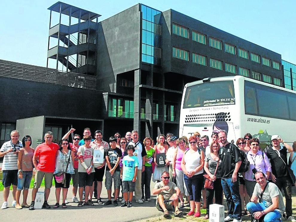 Una visita con el Bus de Somontano a Bodegas Laus, en Barbastro.