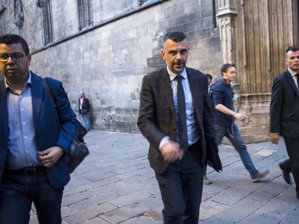 Se trata de Santi Vila, en la iumagen, y su sucesor al frente de la consejería de Cultura, Lluis Puig.