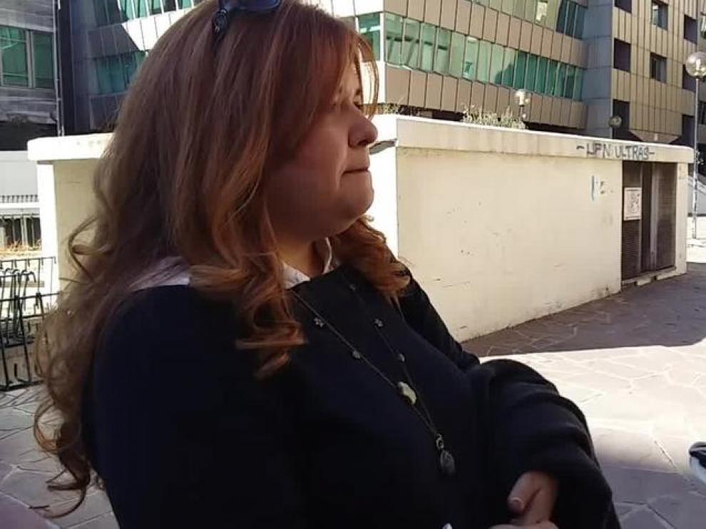 """""""Yo lo que quiero es trabajar, no vivir de ayudas"""", defiende María Isabel Urdaneta, madre 'sola' de 48 años."""