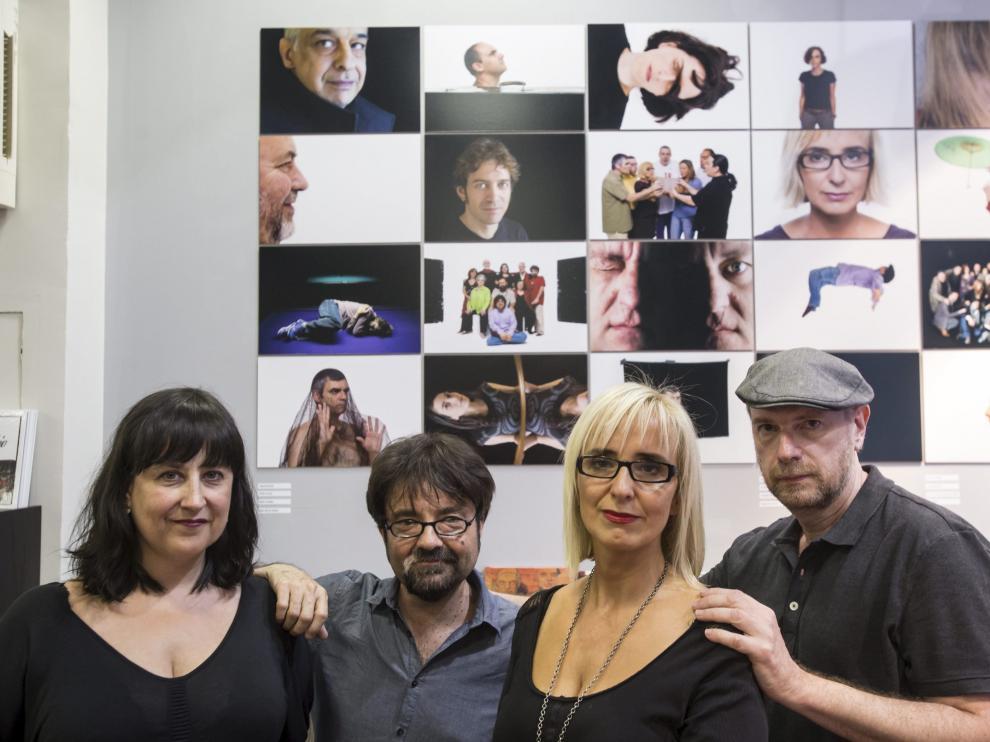 La librera Eva Cosculluela, el editor Juan Casamayor, Patricia Esteban y el fotógrafo Mordzinski.