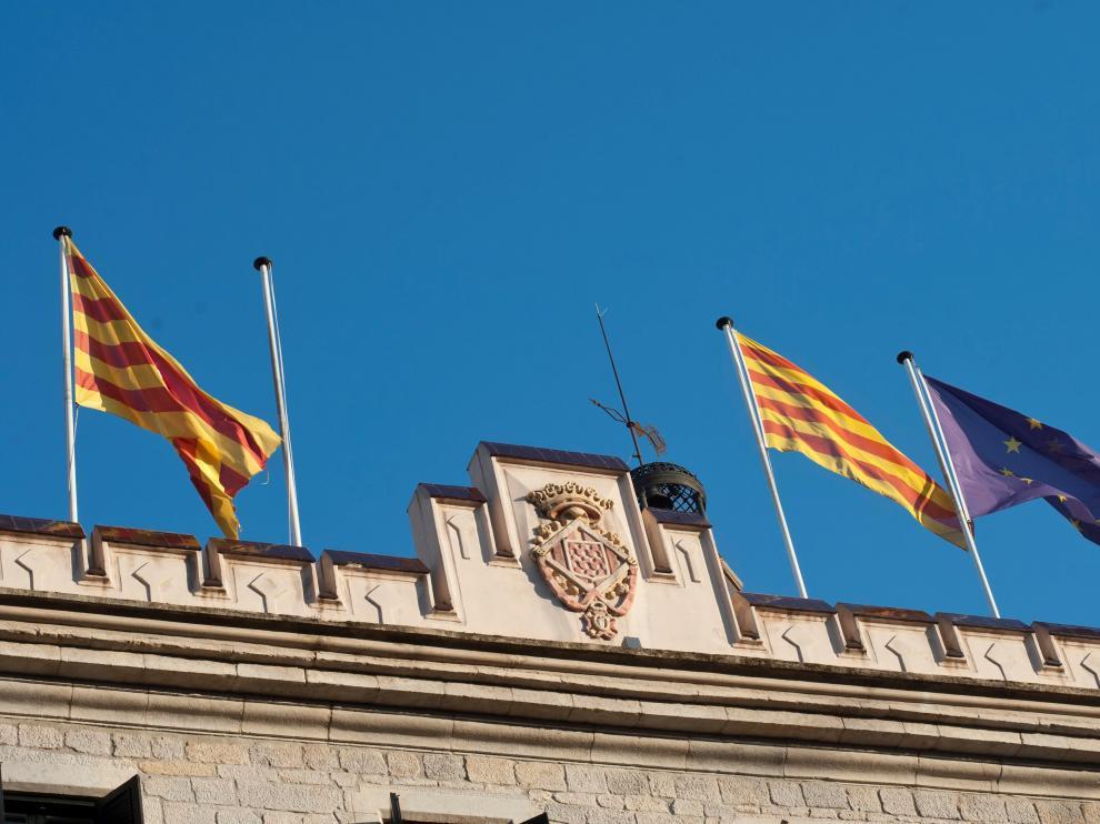 El Ayuntamiento de Gerona, sin la bandera de España