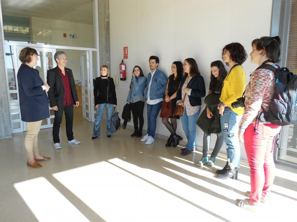El grupo de traductores en una de las estancias de la Casa.
