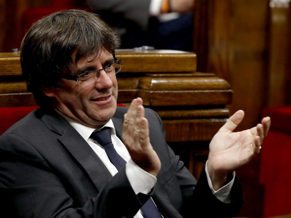 El presidente catalán Carles Puigdemont en la sesión del Parlament de este jueves