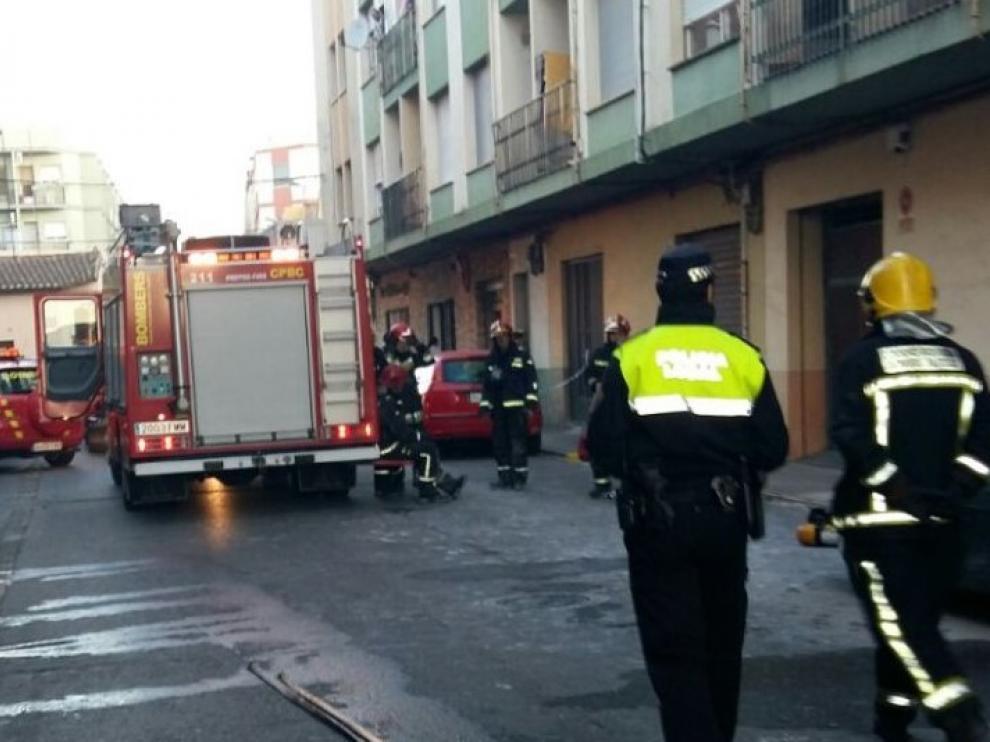 Dos fallecidos y diez heridos en incendio de vivienda en Burriana
