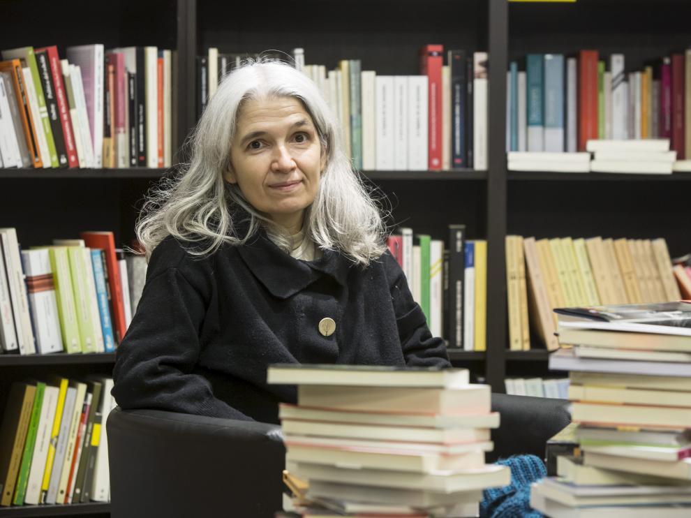 La autora Belén Gopegui participa en el ciclo 'Escritoras españolas' en La Puebla de Alfindén