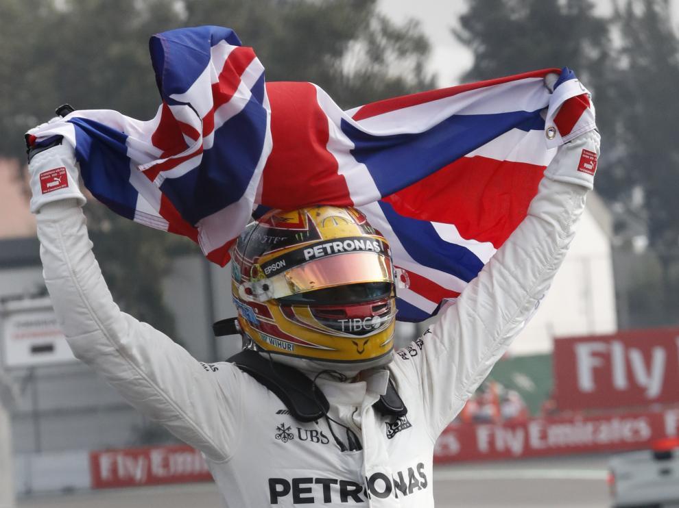 Hamilton campeón del mundo de Fórmula 1 por cuarta vez