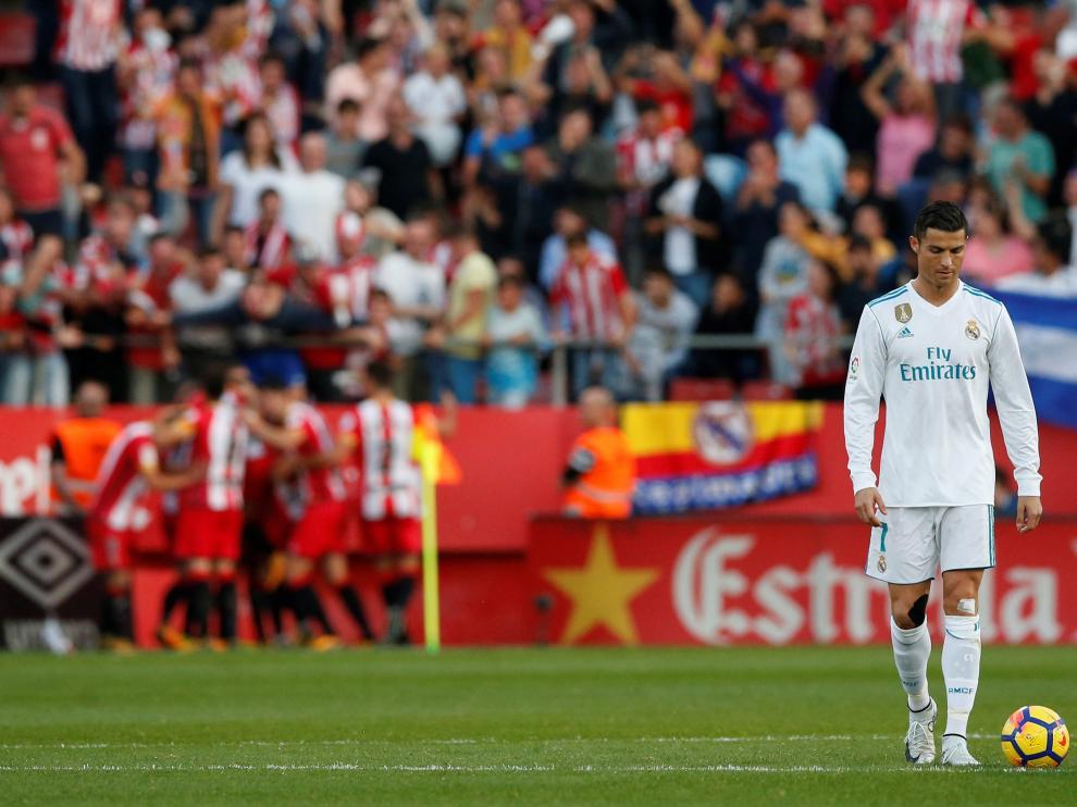 Cristiano Ronaldo, cabizbajo, tras el segundo gol del Girona.