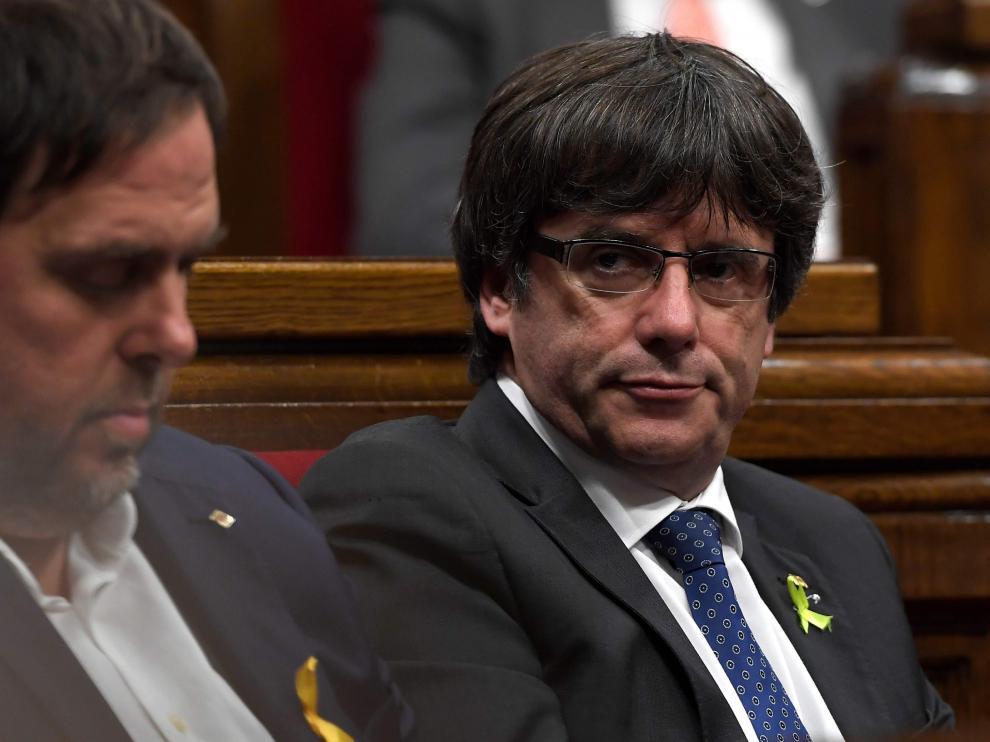 Carles Puigdemont en el Parlament el día que proclamaron la independencia