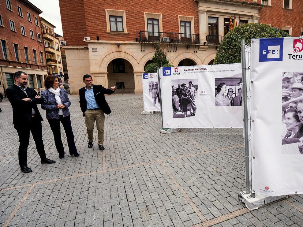 La exposición 'Amantes en España'son 40 fotografías de otras tantas parejas de personalidades que fueron famosísimas y que aún lo son.
