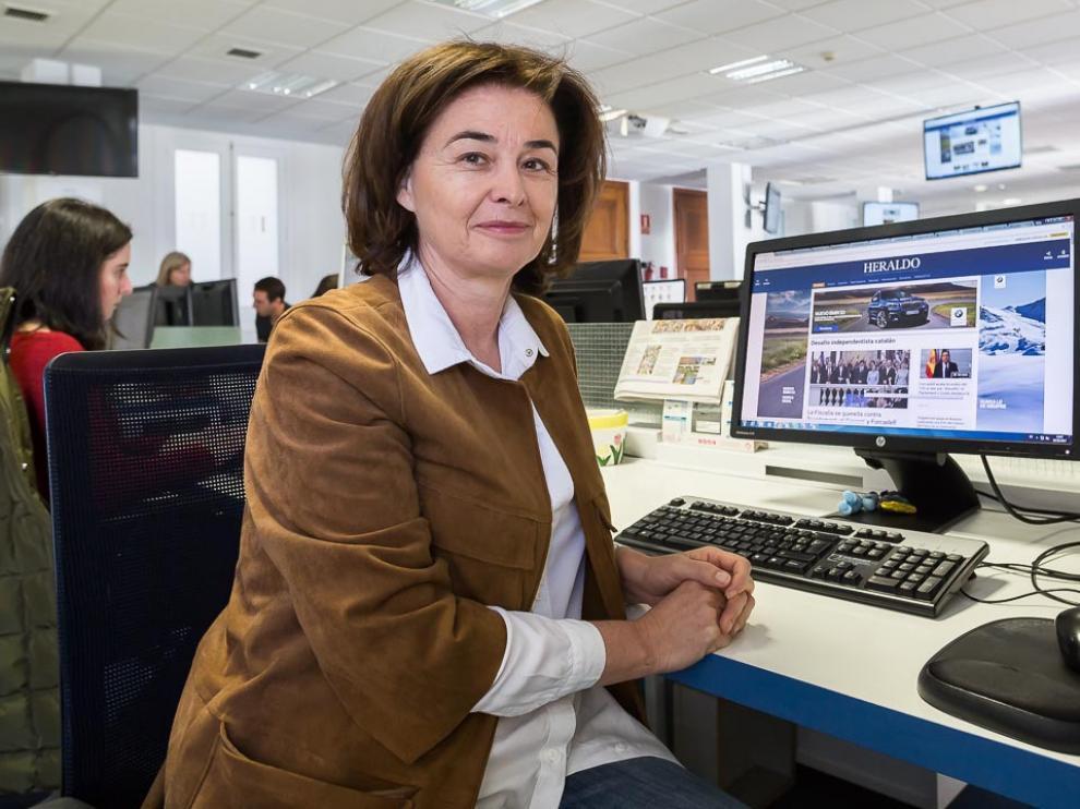 Olga Lázaro, en la redacción del Heraldo de Aragón.