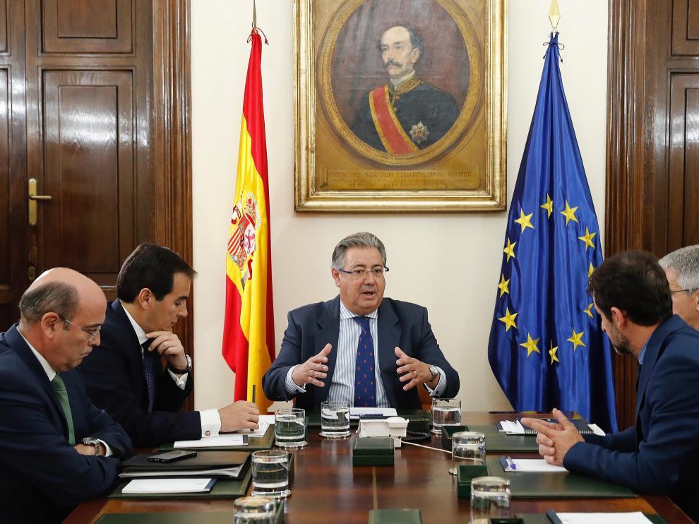 Pérez de los Cobos, en una reunión en el Ministerio de Interior